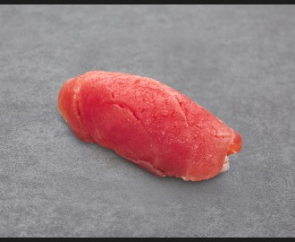 Tuna nigiri maxi